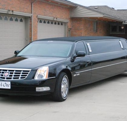 Black-Cadillac-Limo-E04