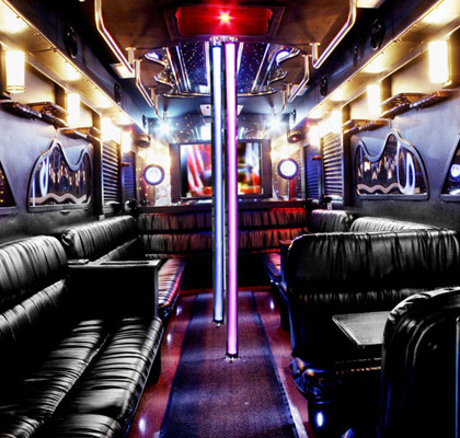 Giant-Party-Charter-Bus-I01