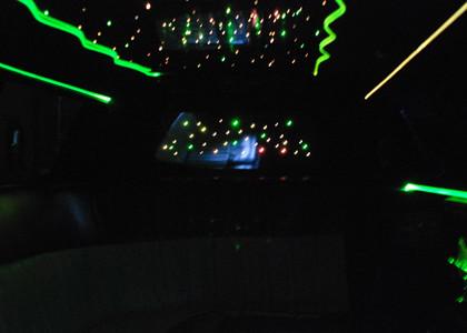 White-Lincoln-Limousine-I04