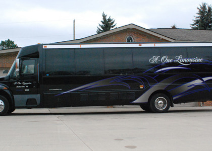 black-party-charter-bus-E02