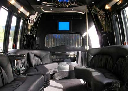 Black-Party-Charter-Bus-I00